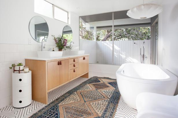 How to Maintain Your Bathroom: 5 Easy Tips