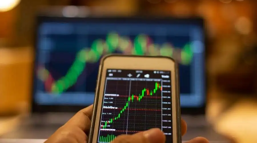 Four Reasons You Should Learn to Trade Forex